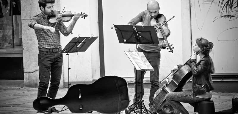 Akoestisch mobiel trio's thema