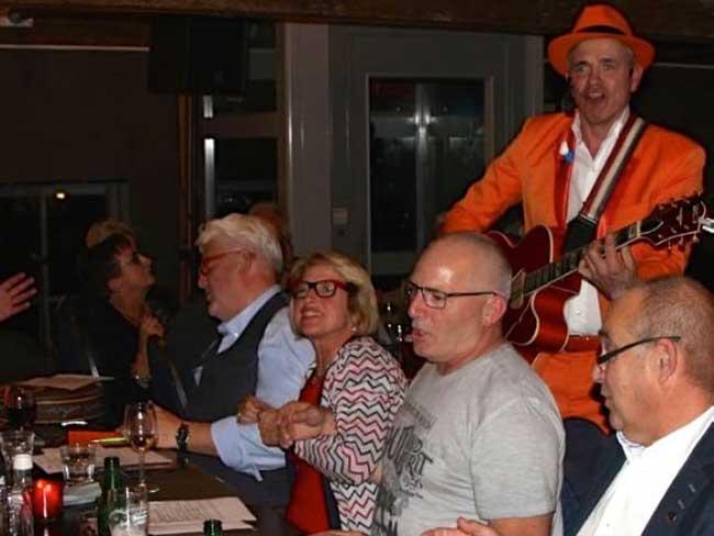 De Oranje Man Liedjes BINGO van Toen & Nu