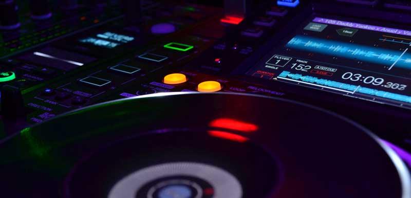 Mobiele DJ's voor bedrijfsfeest thema