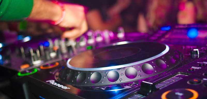 Allround DJ's bedrijfsfeest thema