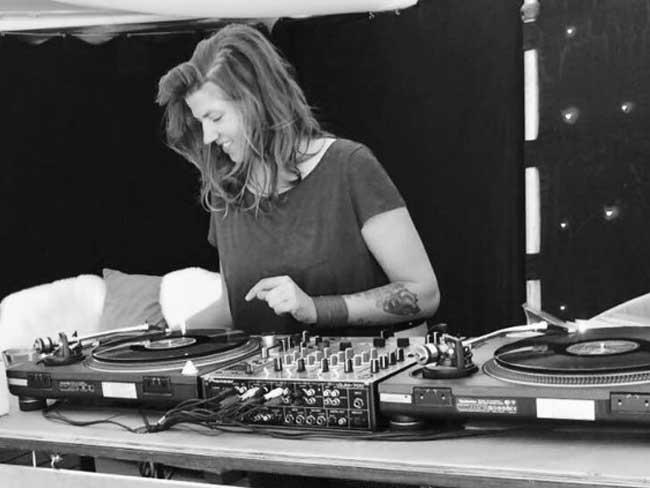 Profielfoto Ella Red - Vinyl DJ