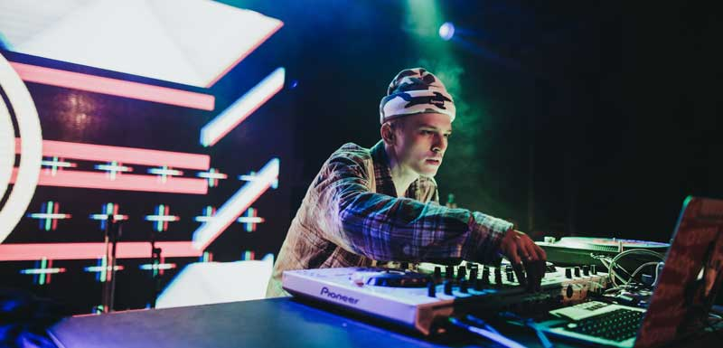 Internationale House DJ's thema